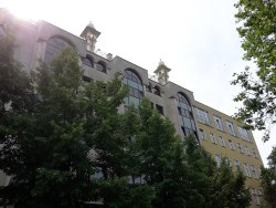Gesamtschule Petershagen_Exkursion zur Moschee in Berlin Kreuzberg_Außenansicht Minarette