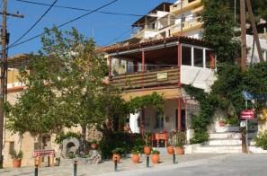 Taverne im Dorf Agios Ioannis