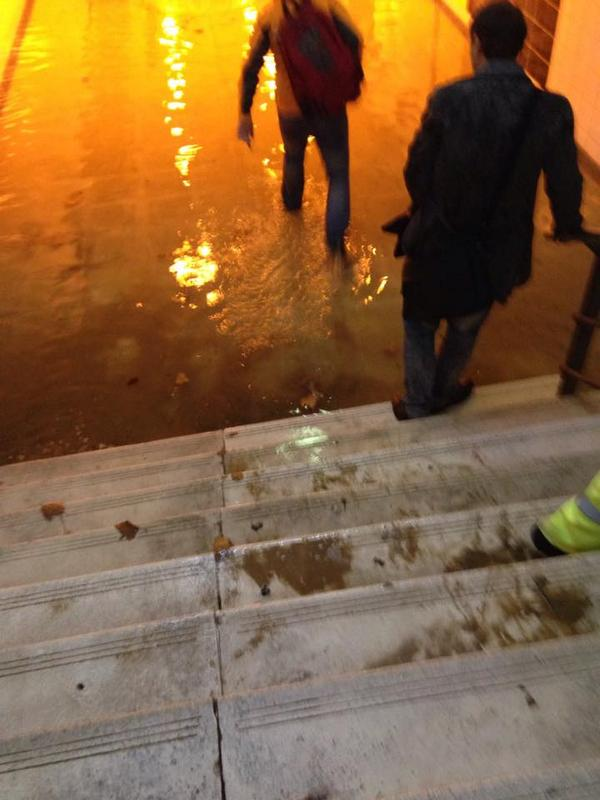 La estación de Getafe 3 se inunda por las lluvias. Foto: @iugetafe