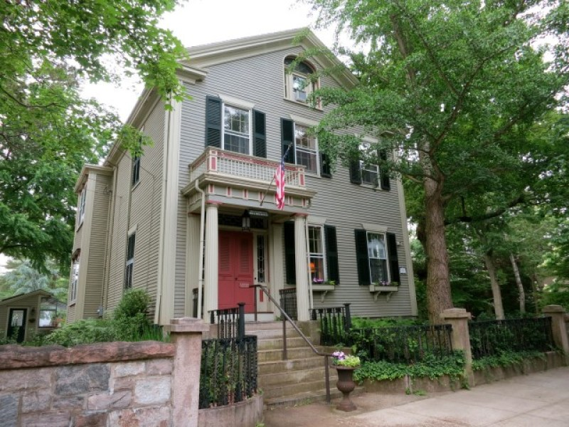 FDR's Grandparents home, now a Bed and Breakfast in Fairhaven, MA #VisitMA @GetawayMavens