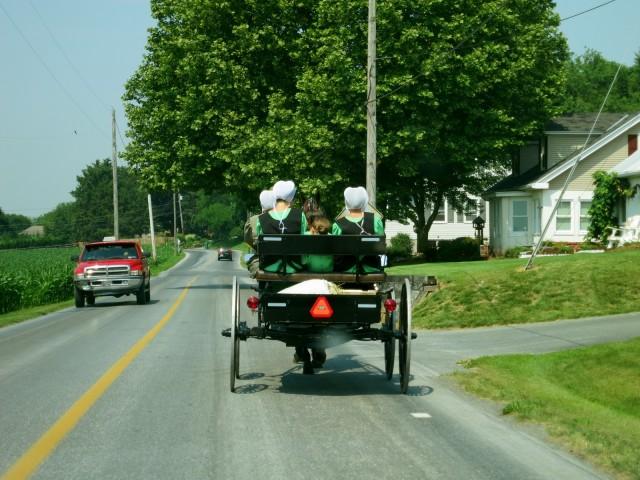 Amish-Girls-To-Work-Lancaster-PA