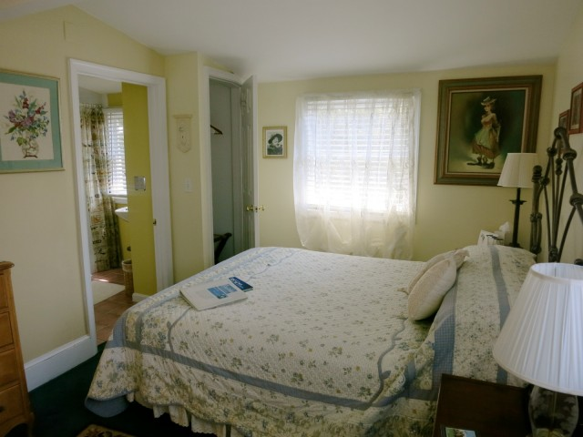 Aunt Clara's Room, Bewitched and Bedazzled B&B, Rehoboth Beach DE