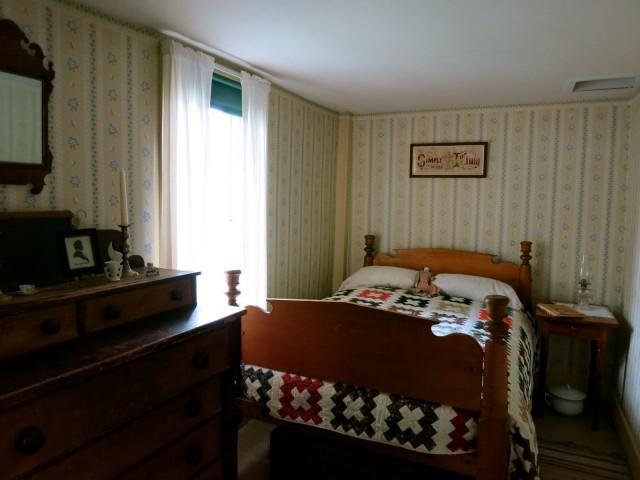 Coolidge Birth Bed