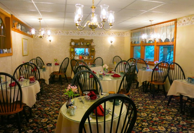 Breakfast room, Inn at Ellis River, Jackson NH