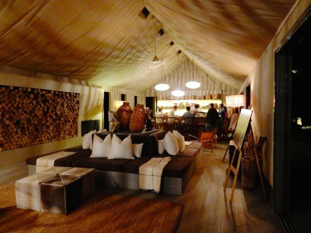 Main tent, bar, Linkwasha Camp