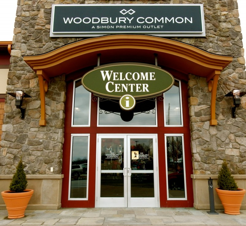 Welcome Center, Woodbury Common Premium Outlets