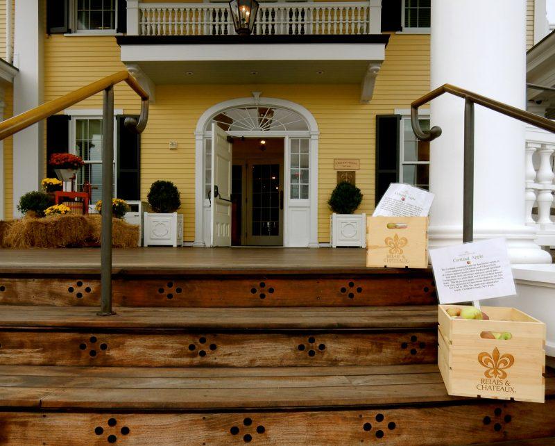 ocean-house-front-porch-watch-hill-ri
