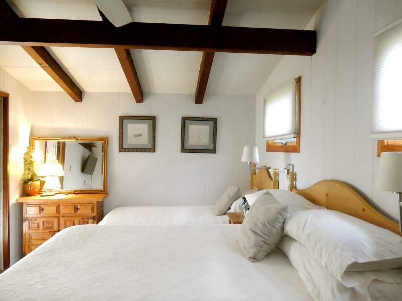 hither-house-bedroom-montauk-ny