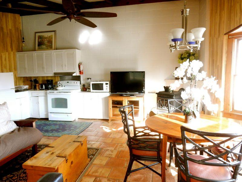 hither-house-cottage-interior-montauk-ny