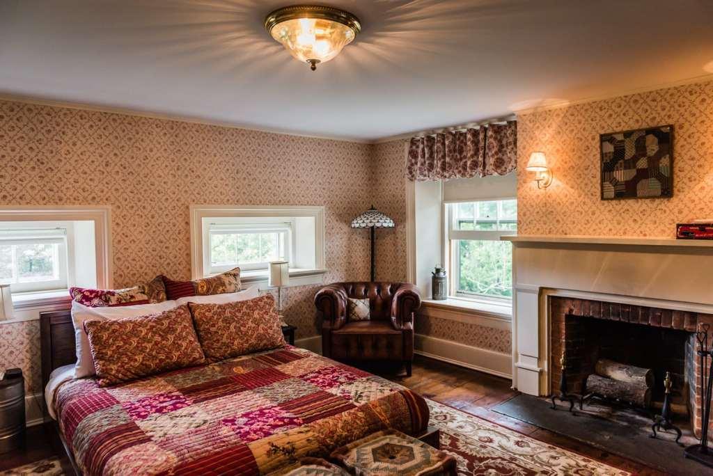 Hudson Valley Rose Ashley Room