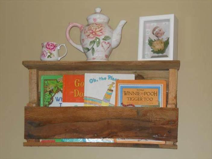 Unbeatable pallet bench ideas #diybookshelfpallet #bookshelves #storageideas