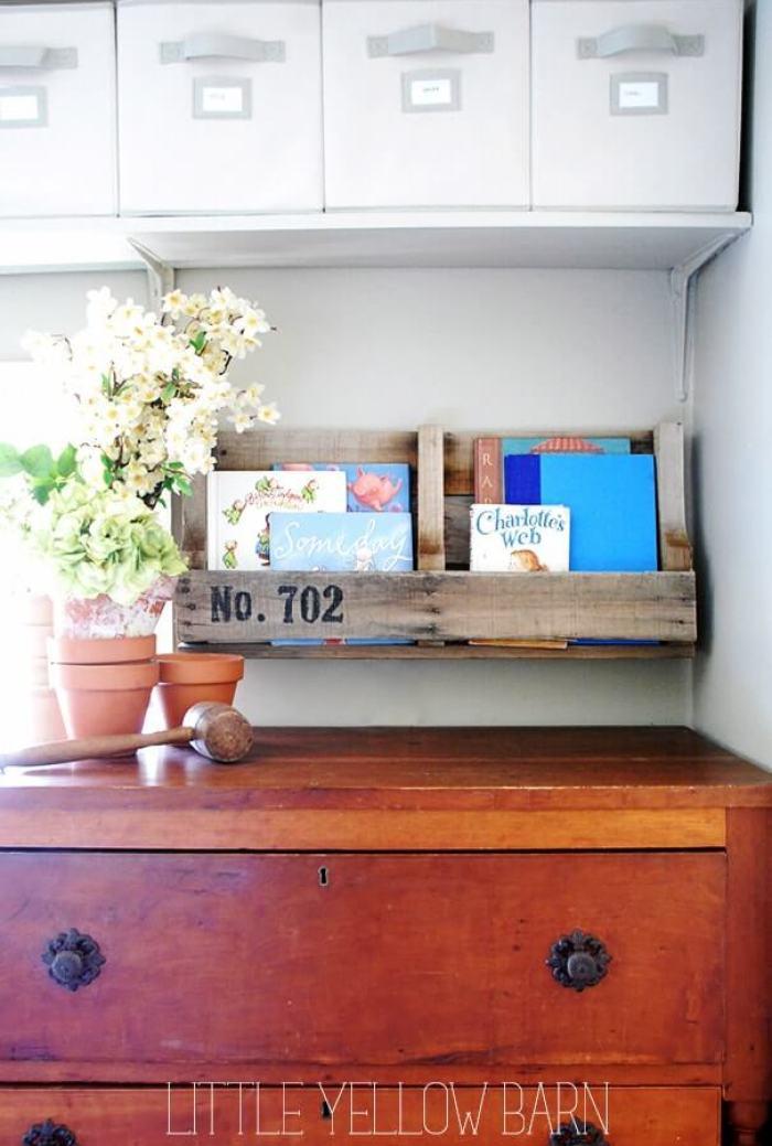 Eye-opening pallet storage ideas #diybookshelfpallet #bookshelves #storageideas