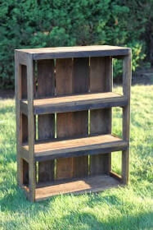 Terrific easy bookshelf #diybookshelfpallet #bookshelves #storageideas