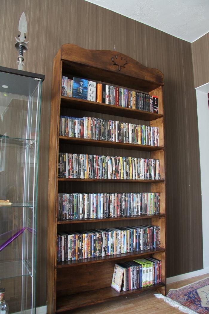 Gorgeous slim dvd storage ideas #dvdstorageideas #cddvdstorage #dvdrack