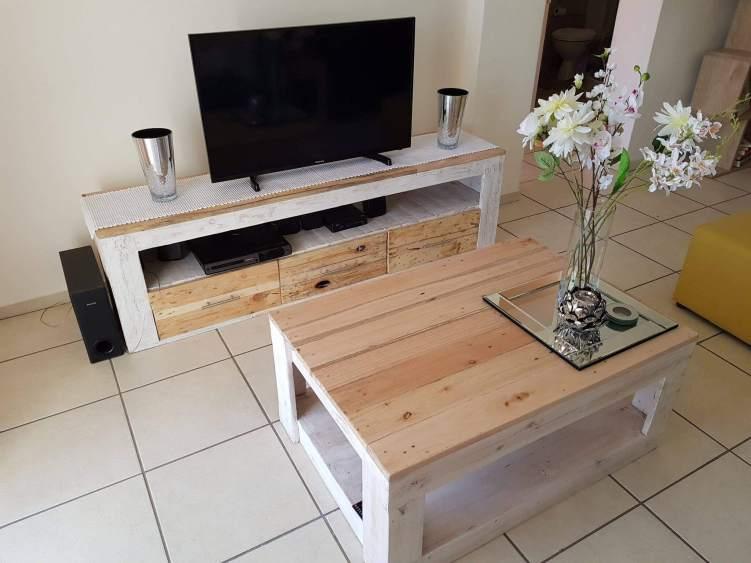 Unforgettable diy ladder tv stand #DIYTVStand #TVStandIdeas #WoodenTVStand