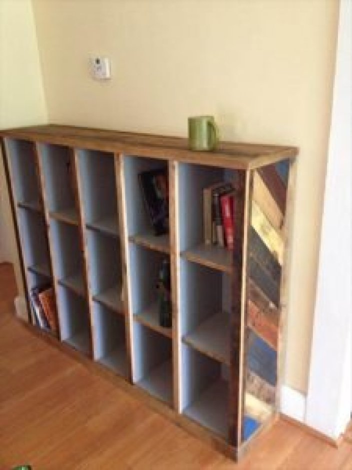 Striking diy book shelves #diybookshelfpallet #bookshelves #storageideas