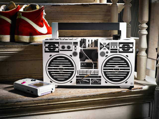 Build Your Own Berlin Boombox cum Phone Dock
