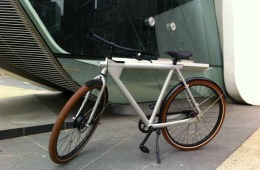 Vanmoof Electrified is the World's First Intelligent Bike