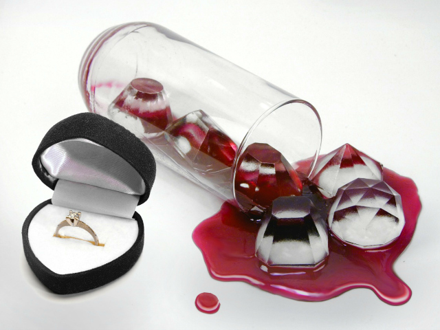 Bling Your Drinks With Fred Cool Jewels Ice Cube Tray