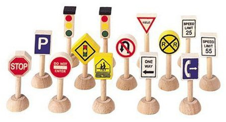 Plan Toys Set of Traffic Signs