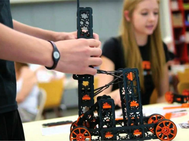 Hanz Inventors Lab Kit Takes Building Blocks to the Next Level