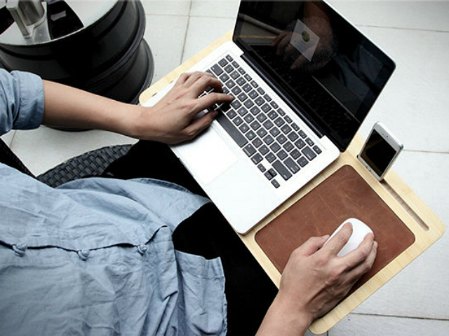 Bamboo Cooling Pad/Lap Desk Lets Nature Cool your Laptop