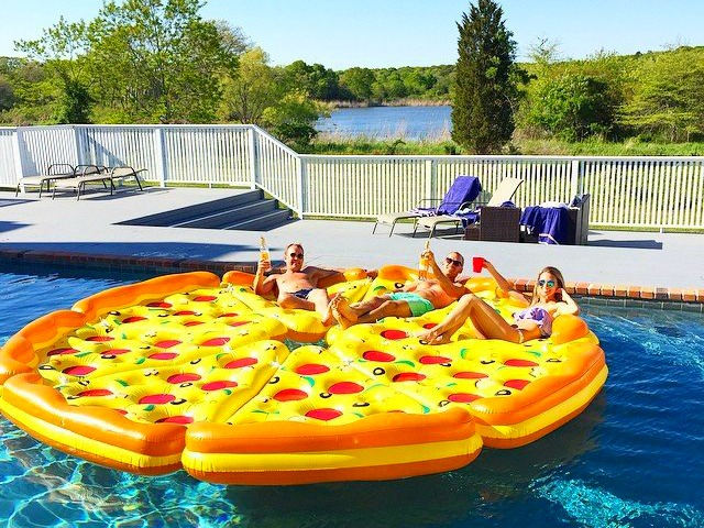 Pizza Pool Float – Who Wants a Slice?