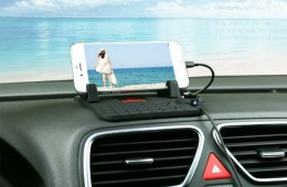 Remax Car Mount is Perfect for Curved Dashboards