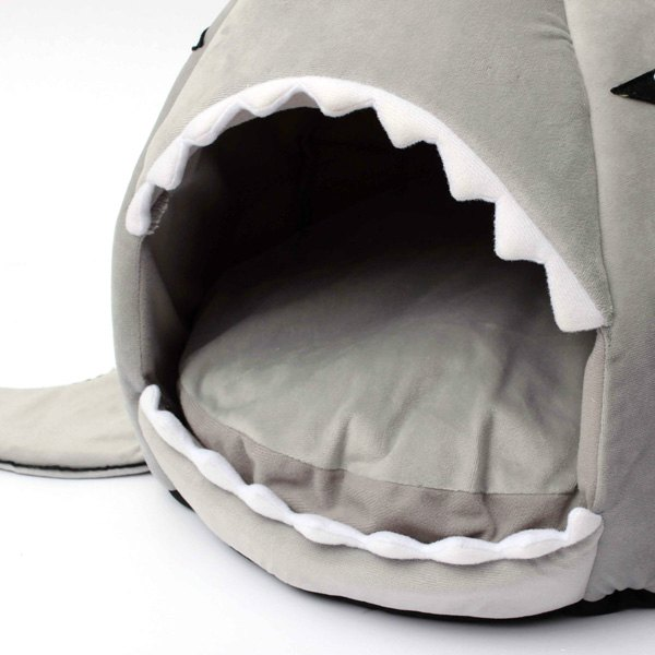 Shark Shaped Kennel