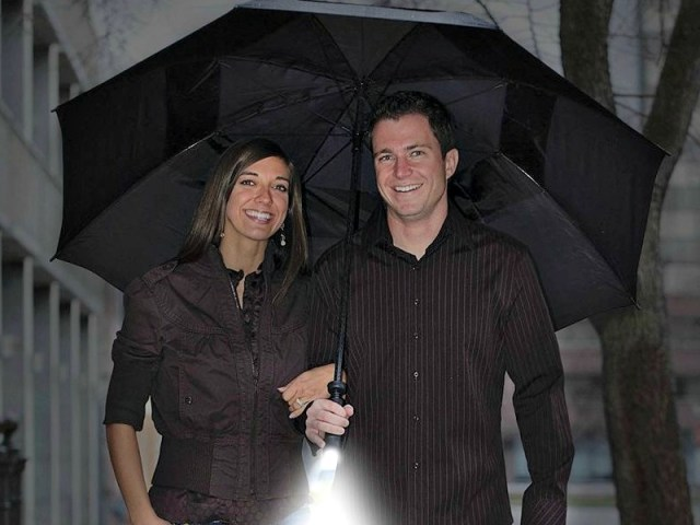 Zero Grid Travel Umbrella Keeps you Safe on Dark and Stormy Nights