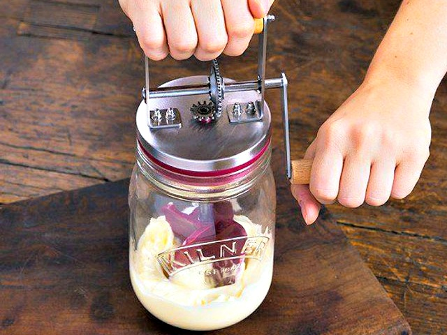 Make your own Butter with the Kilner Butter Churner