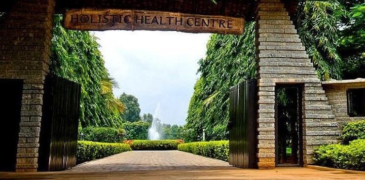 SOUKYA Dr Mathais International Holistic Health Centre Bangalore: weight loss through massage