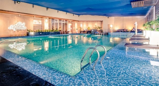 club aquaria: swimming poll in north mumbai