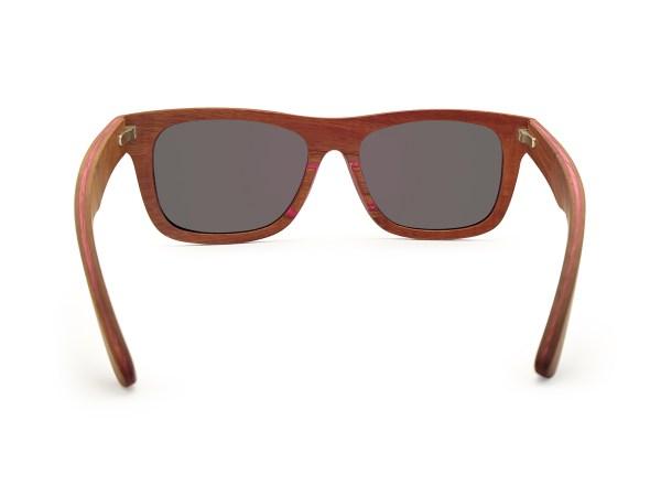 Foto van achterkant van houten zonnebril Fox van merk foxwood
