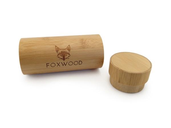 Foto van bovenkant van luxe houten beschermkoker foxwood met dop verwijderd