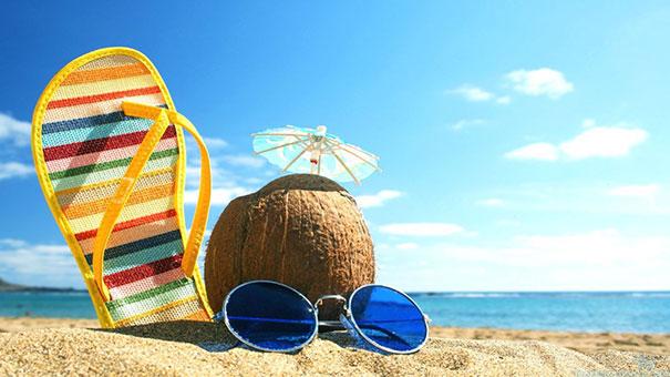 """5 νέες ελληνικές κυκλοφορίες έχουν στον τίτλο τους τη λέξη """"καλοκαίρι""""!"""