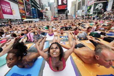 Times Square-Free Yoga