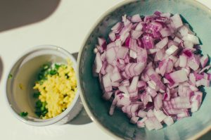 Ginger, onion and serrano pepper in bowls - Munch