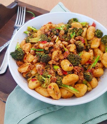 PAN FRIED GNOCCHI WITH BROCCOLI AND CHICKPEA CRUMBLE