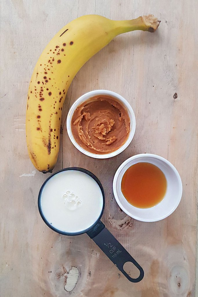 Banana peanut butter Smoothie Ingredients