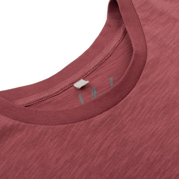 bleed-clothing-801b-basic-t-shirt-dark-red-flame-detail-01