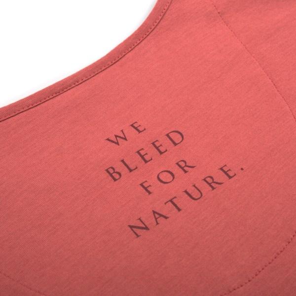 bleed-clothing-1616-dot-logo-t-shirt-rot-detail-04