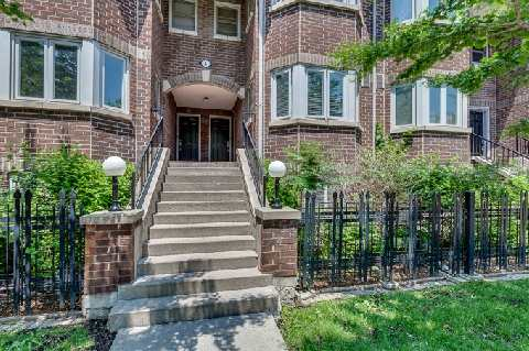 Two bedroom townhouse in King West Village.