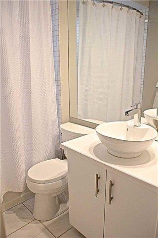 Bellhaven Upper Beach Bathroom