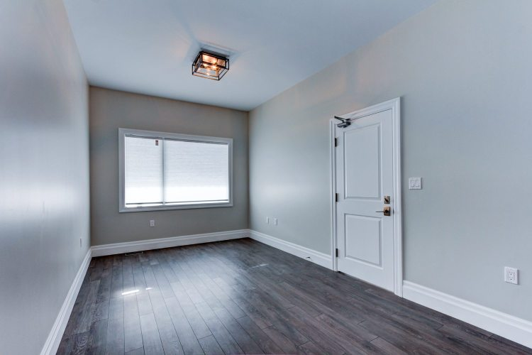For lease Duplex Queen West