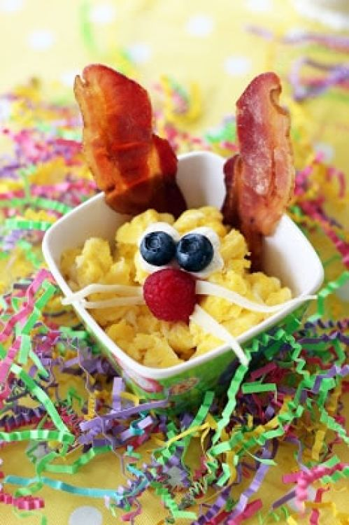 We are sharing our secrets on how to make easter extra fun for kids! First, make breakfast with your little bunnies.