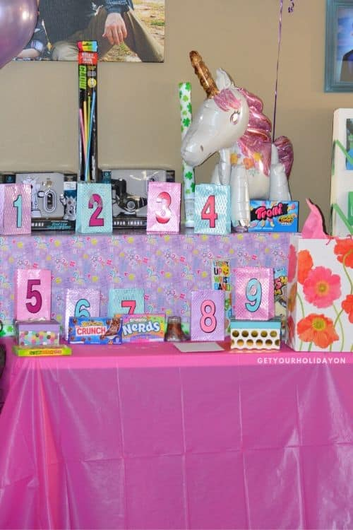 start birthday traditions for girls or boys and kids of all ages! #bday #hbd #birthdaytraditions