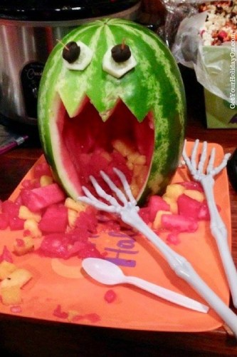7 Foods to Make Halloween Extra Fun| NOW THAT'S HOW YOU MAKE A NOT SO SCARY MONSTER by Get Your Holiday On (dot) com