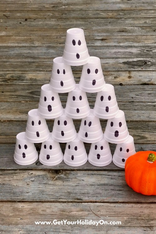 5 Easy and Simple Halloween Games these ideas are perfect for Halloween party, church event, festival, or a quick and easy trunk or treat game.