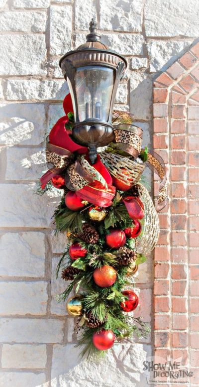 7 Ways to Add Coolness to your party f you're having a holiday party! A really cool party hack is to make the front entrance look really inviting.